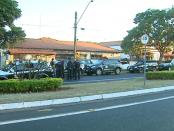 Cerca de 40 policiais participaram da operação 'Covil de Lobos' (Foto: Paulo Chiari/ EPTV)