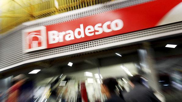 agencia-banco-bradesco-brasilia-20090625-01-size-598