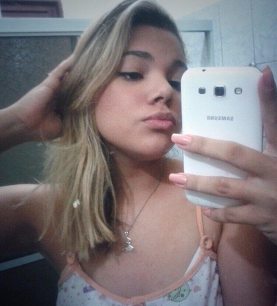 Adolescente nordestina se mata após <b>vídeo</b> íntimo vazar na internet <b>...</b> 2014