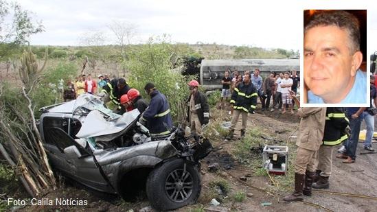 acidente-entre-L200-e-carreta-des-foto-Raimundo-Mascarenhas-CN