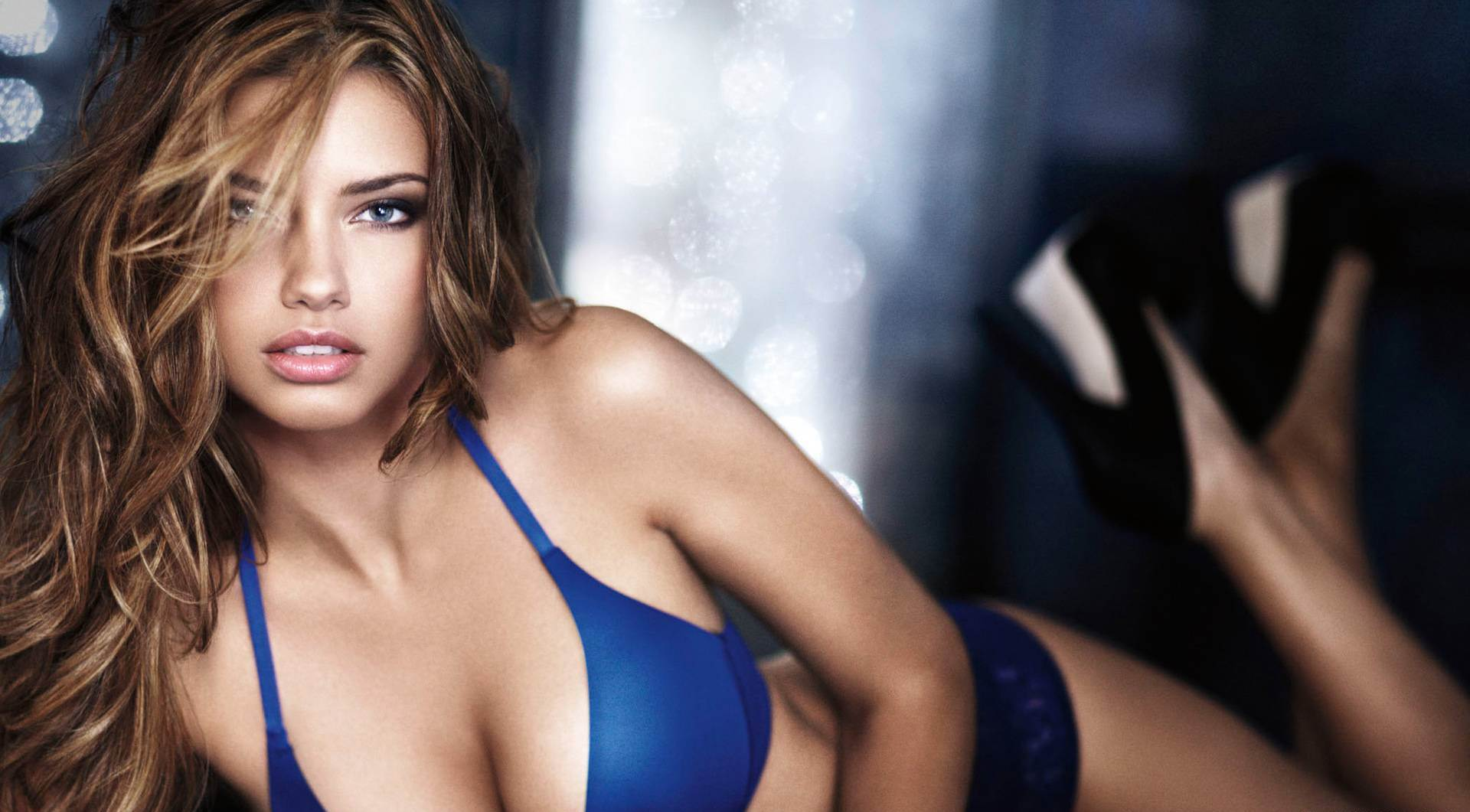 adriana-lima-hd-at-hd-desktop-picture-collections