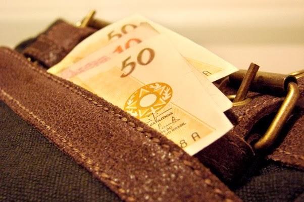 dinheiro_corrupcao_mensalao_sxc