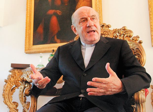 RTEmagicC_arcebispo.jpg
