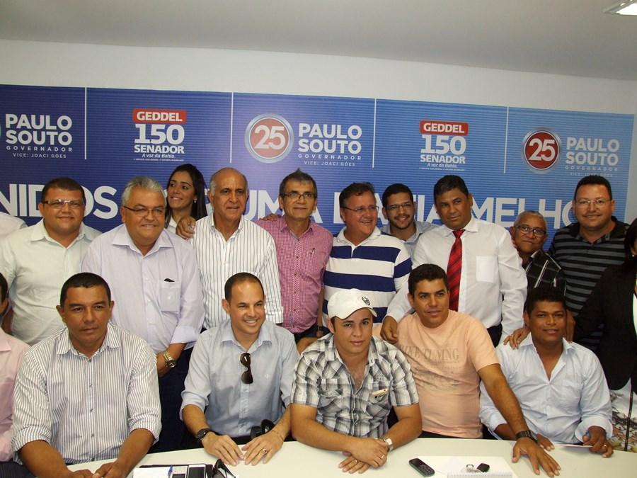 Cansanção: Prefeito Ranulfo, vice Paulinho e 10 vereadores declaram apoio à Paulo Souto