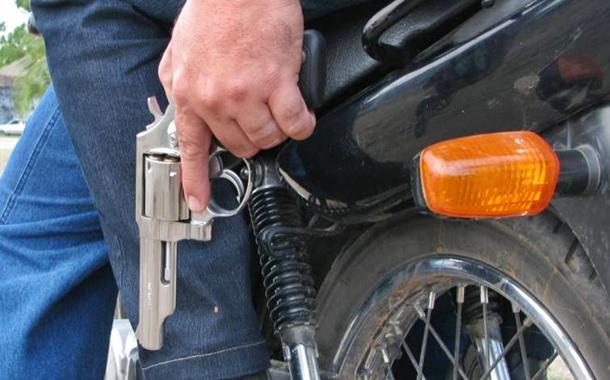 motoqueiros-arma