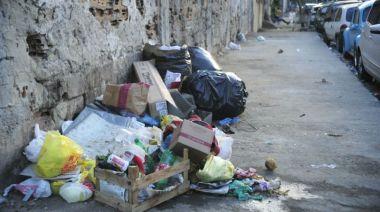 380x212xLixo-acumulado-nas-ruas-do-Rio-de-Janeiro-por-conta-da-greve-dos-funcionarios-da-COMLURB-foto-Fernando-Frazao-Agencia-Brasil_0013.jpg.pagespeed.ic.CKRdTtCa1f