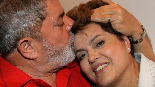 129_215-beijo-Lula-e-Dilma