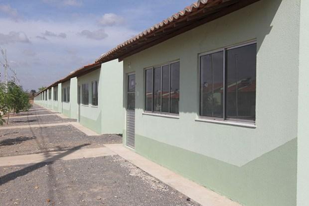 Mais-de-300-familias-recebem-casa-propria-em-Euclides-da-Cunha-3