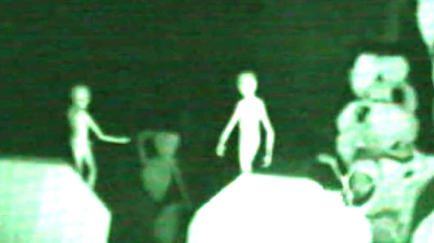 aliens-caught-on-tape-real-evide1 (1)