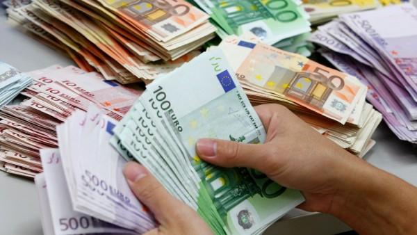 dinheiro_euros_notas_reuters-e1443565953695