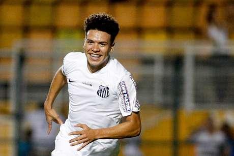 SAO PAULO,SP-01/10/2015- jogador Gabriel do Santos comemora gol contra a equipe do Figuerense, durante partida válida pela Copa do Brasil. São Paulo/SP(Rorigo coca/Eleven