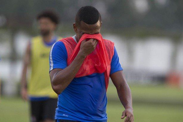 alan_mineiro_treinou_penaltis_entre_os_titulares_1b