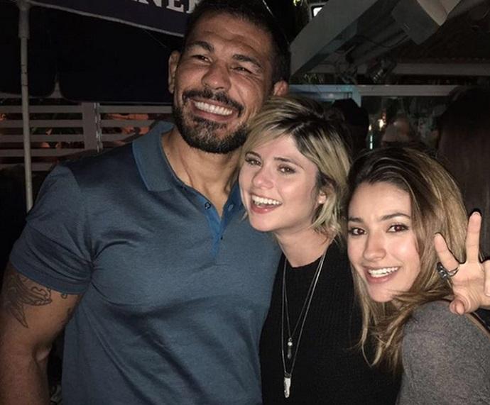 Minotauro, Julianne Trevisol e Caroline Oliveira juntos depois da gravação do 'Super Chef'