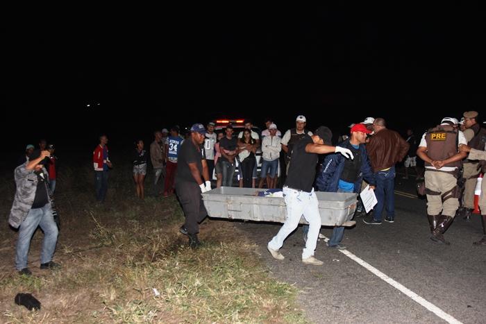 acidente-na-BA-411-quatro-mortos-5-foto-raimundo-mascarenhas