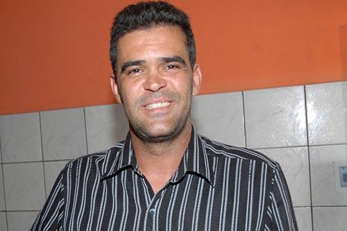 prefeito-eleito-de-queimadas-tarcisio-oliveira-pr-1024x682