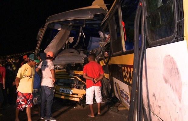 colisão de ônibus em alagoas