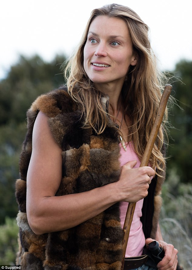3EEB80FB00000578 4377778 Miriam Lancewood pictured has been living in the wilderness in N a 1 1491277160762