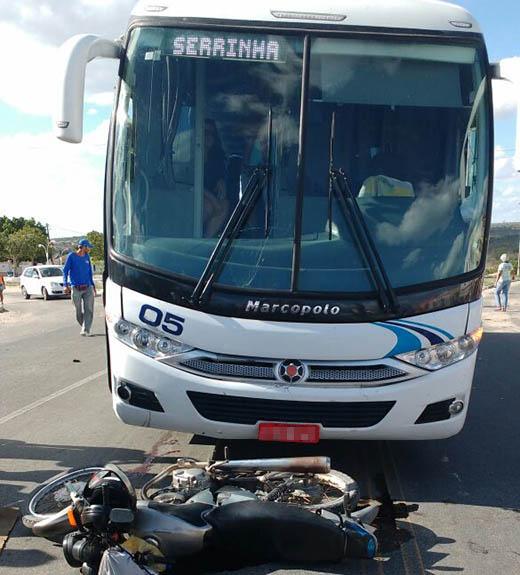 colisao moto onibus1