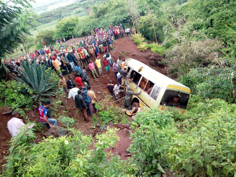 2017 05 06t170218z 1863223527 rc19bb5a1c00 rtrmadp 3 tanzania accident