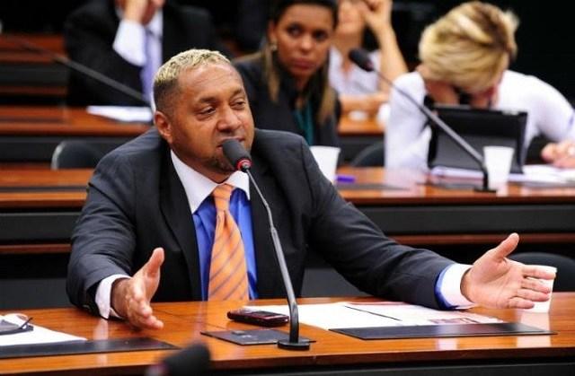 Tiririca faz desabafo sobre salário de deputado federal diz boato