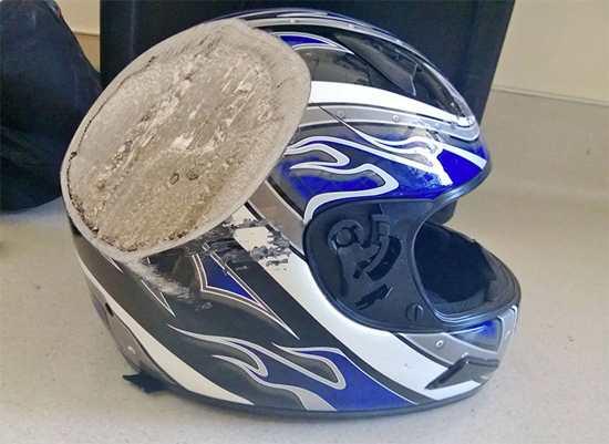capacete 12