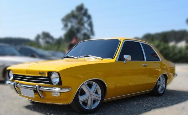 12chevette amarelo