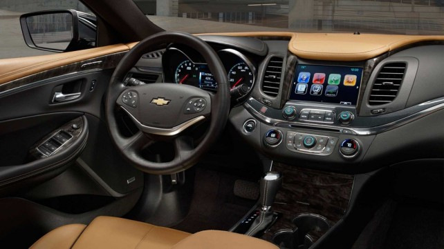 2017 Chevrolet Impala interior dashboard lcd screen