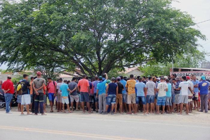 greve dos caminhoneiros em riachão.4