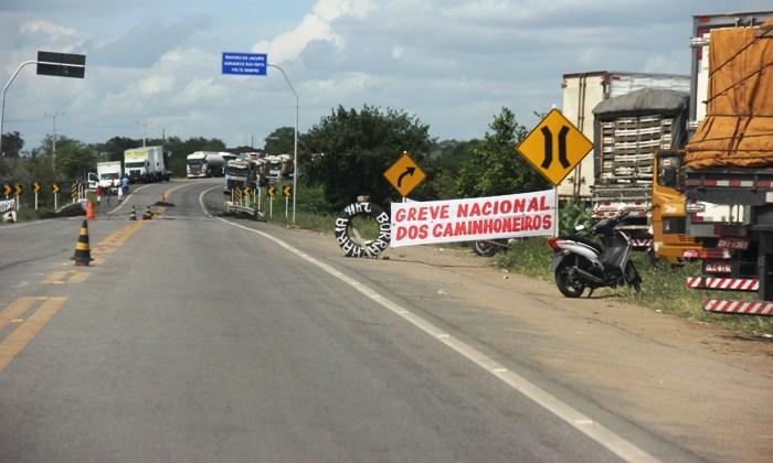 greve dos caminhoneiros em riachão