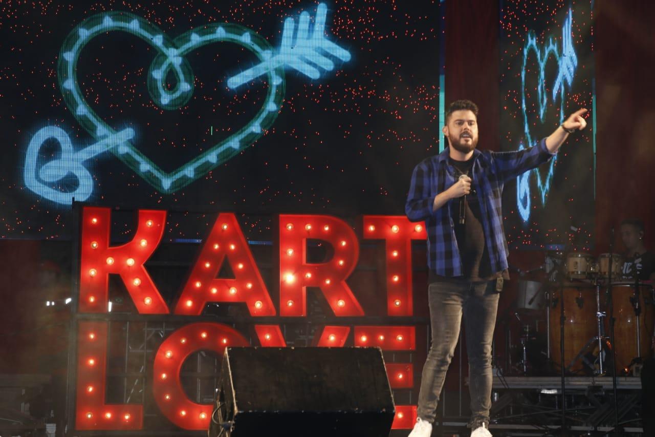 Kart Love lotou a praça durante sua apresentação. Foto Fred Pontes