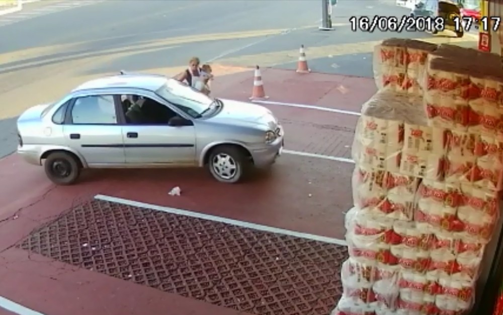 roubo carro aparecida