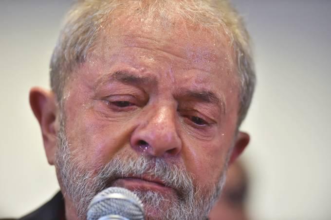 brasil lula triste