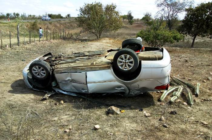 acidente na ba 120 09 11 18.1