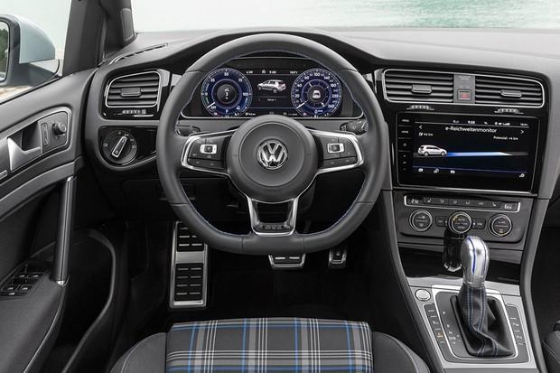 volkswagen-golf_gte-2017-1600-14-1
