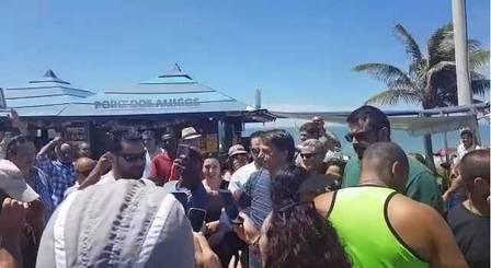 xbolsonaro praia.jpg.pagespeed.ic .cPV5tX CNq