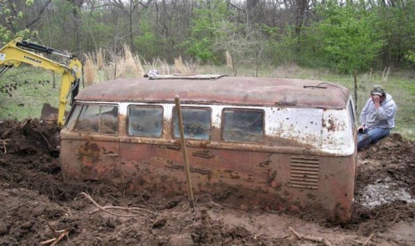 volkswagen kombi 1960 enterrada por mais de 35 anos 02