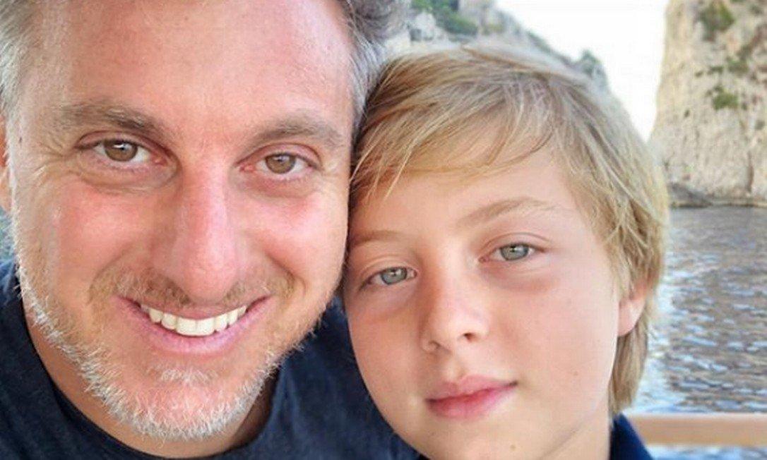 xLuciano Huck e seu filho Benicio que sofreu acidente enquanto praticava