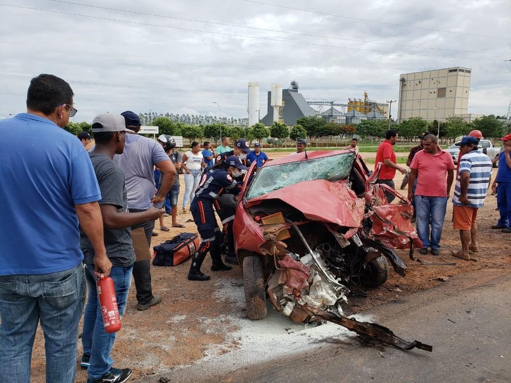 Vítimas foram socorridas pelo Samu — Foto: Sigi Vilares