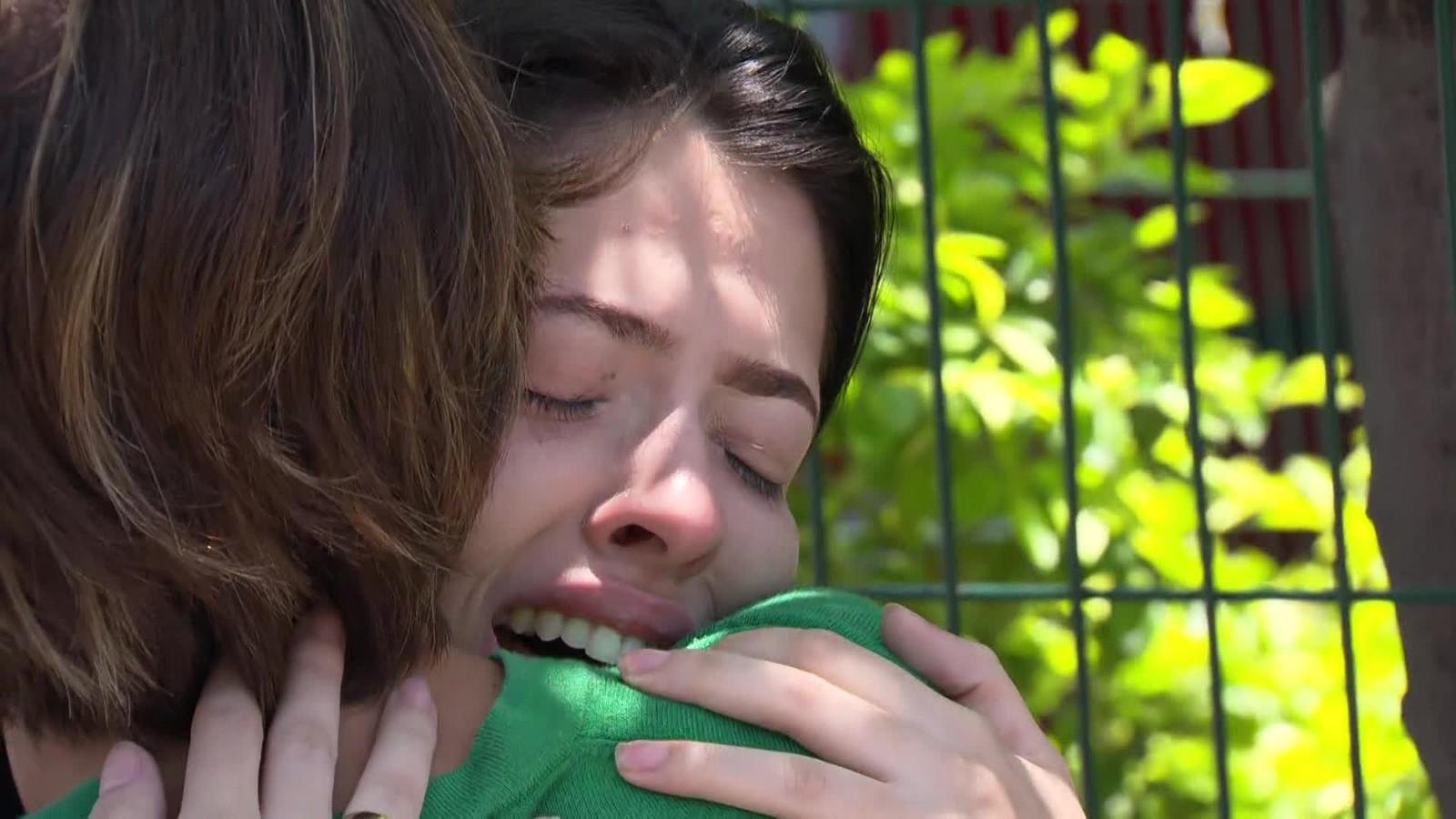 Tamires Carneiro, de 20 anos, perdeu o namorado e o cunhado no acidente — Foto: Reprodução/TV Globo