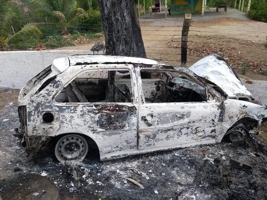 Populares incendiaram carro após motorista atropelar pessoas em festa | Foto: Notícias de Santaluz