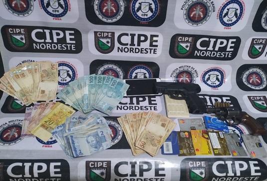 Um homem identificado como José de Abreu foi preso por porte ilegal de arma