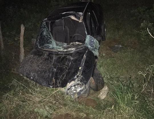 Um homem identificado como Farnesio Silva Cadide e a irmã dele, Fabrícia da Silva Cadide, ficaram feridos