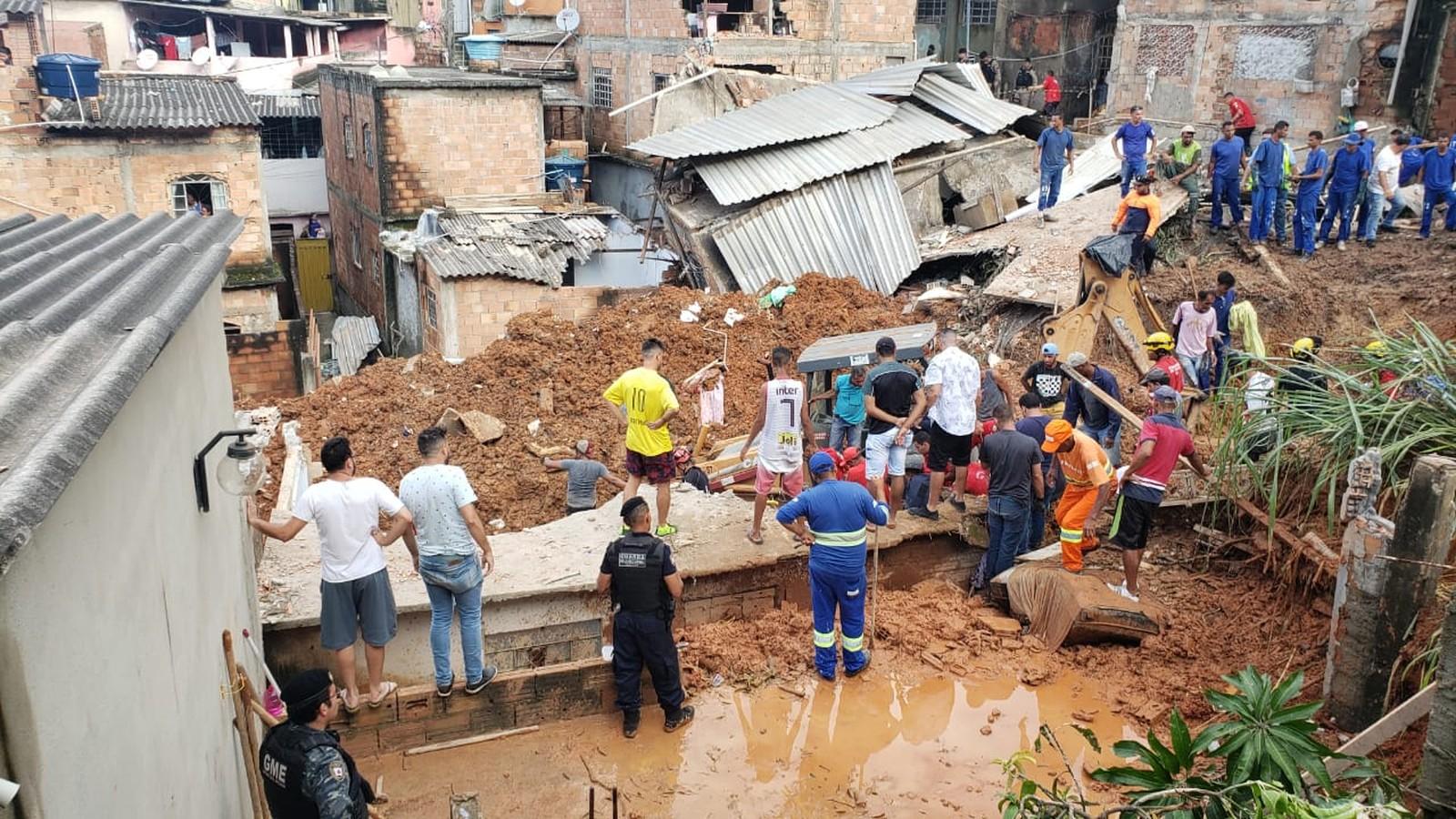 30 pessoas morreram em decorrência das chuvas que atingem o estado nos últimos dias