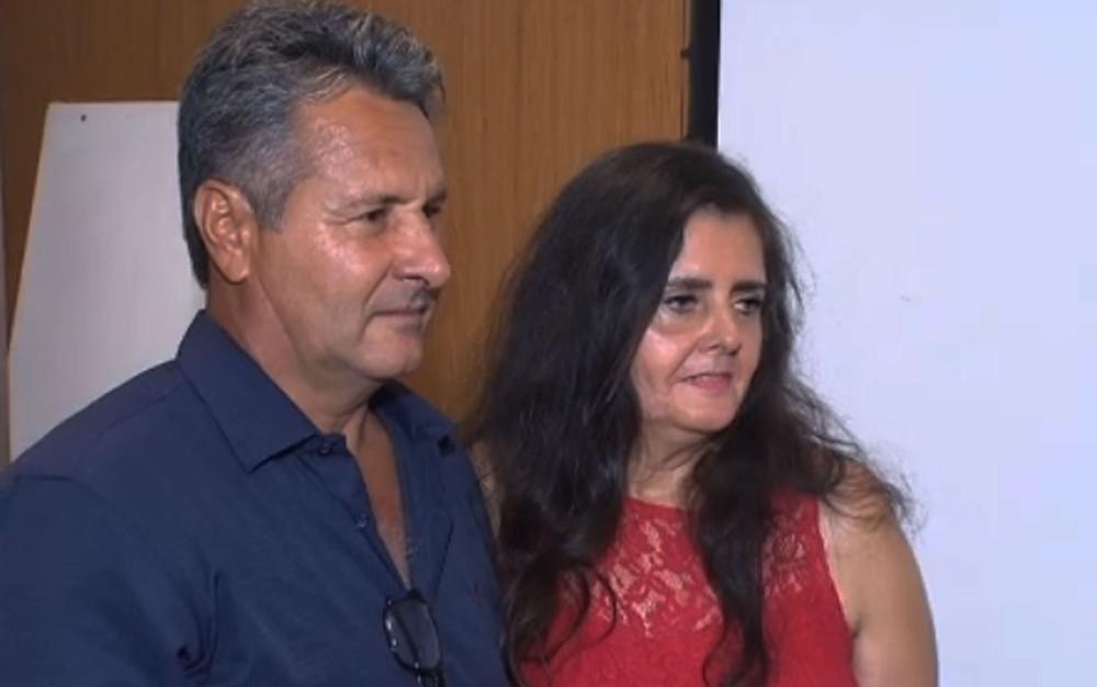 Elizabeth e Nilson se casaram no aeroporto de Salvador — Foto: Reprodução/TV Bahia
