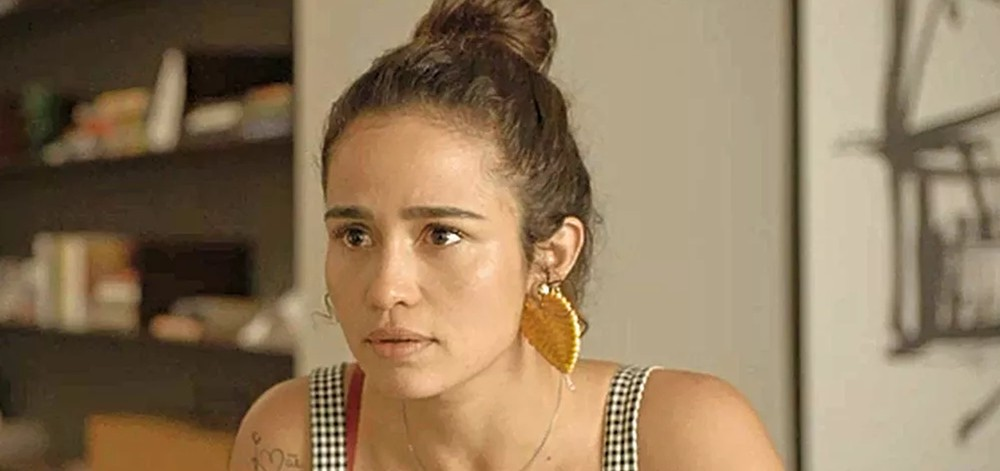 Érica (Nanda Costa) em cena de Amor de Mãe; personagem terá mais uma decepção amorosa